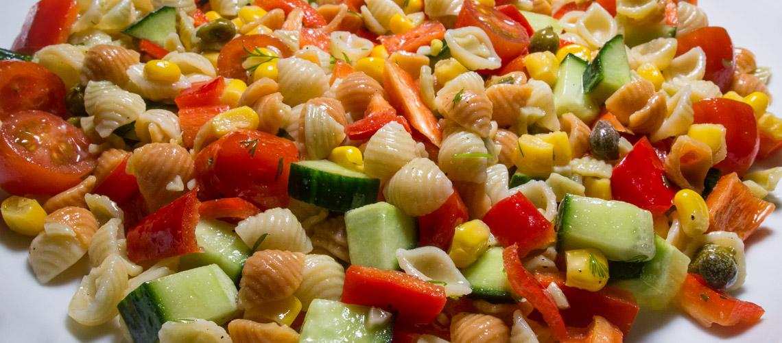 Simpukkapasta-salaatti